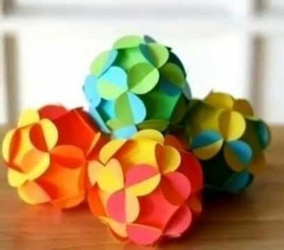 шары из цветной бумаги.jpg