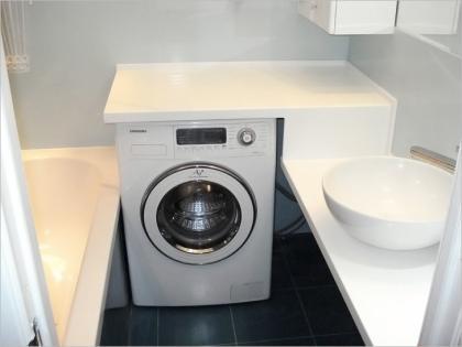 красиво вписать стиральную машину в ванную5.jpg