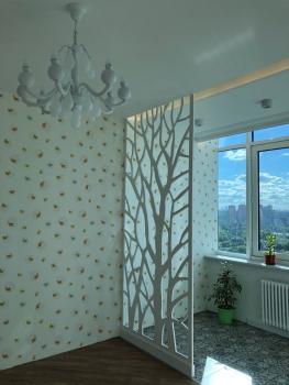 Дерево в нише в потолке 2.jpg