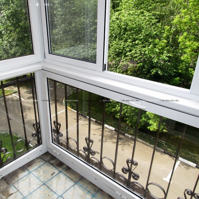 Балкон стеклопакет цветы. - недорогие, качественные металлоп.